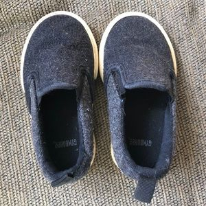 🔴 Gymboree Black Slip on Slipper Shoes Toddlers 5